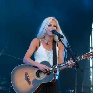 Nilla Nielsen med band