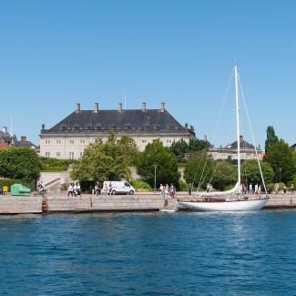 Amalienborg Slot - palace set fra vandet