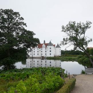 Glücksburg-Castle-5.jpg