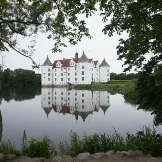 Glücksburg-Castle-4.jpg