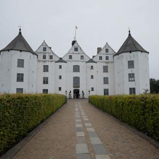 Glücksburg-Castle-2.jpg